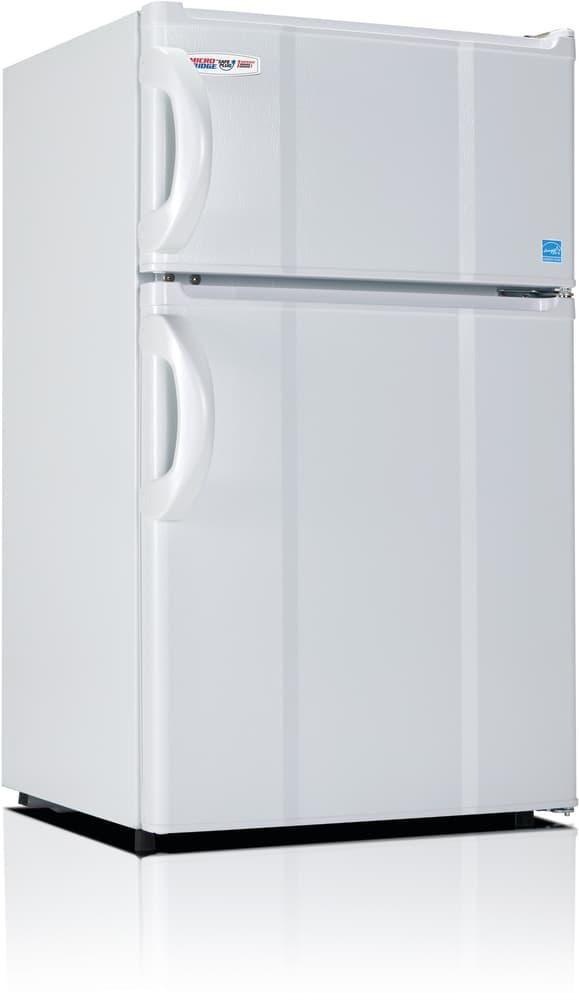 MicroFridge 30RMFRW   3.0 Cu. Ft. Compact Refrigerator With 1 Wire Shelf,  Crisper