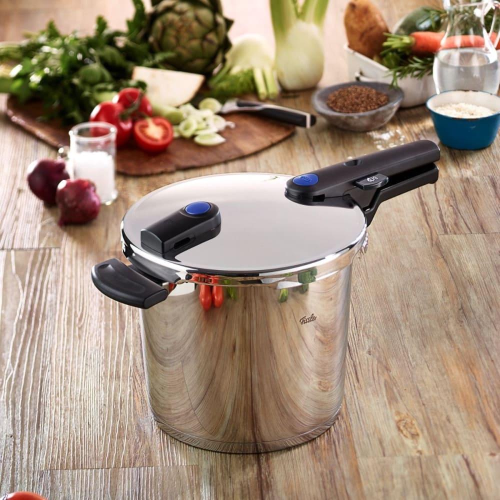 fissler 60030006079 vitaquick 6 quart pressure cooker with cookstar stove base cooking. Black Bedroom Furniture Sets. Home Design Ideas
