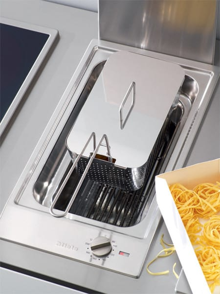 Miele Combiset Cs1411fss240 Featured View Pasta Insert Shown With Lid On