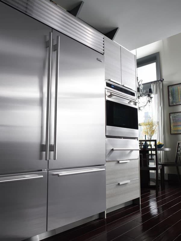 Sub-Zero BI30USTHRH 30 Inch Built-in Bottom-Freezer Refrigerator ...