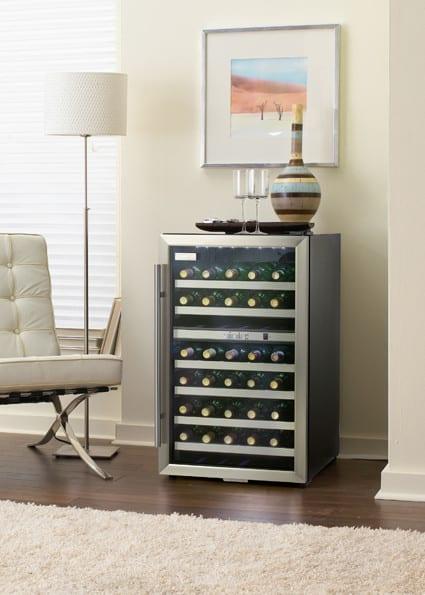 Danby Dwc114blsdd 20 Inch Freestanding Compact Wine Cooler