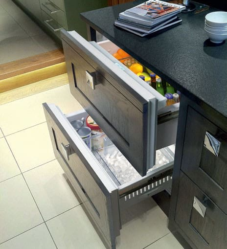 Luxury Ice Maker Bar Position