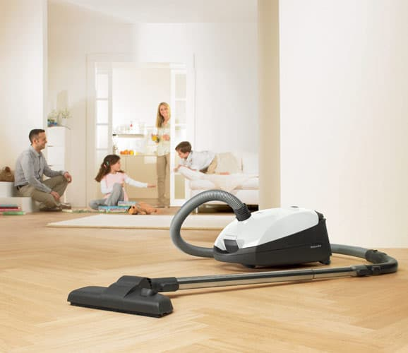 Miele S2121olympus Olympus Canister Vacuum Cleaner With 1200 Watt