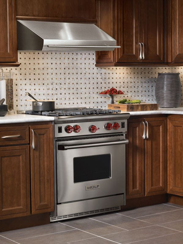 Wolf R304 30 Inch Pro Style Gas Range With 4 Dual Brass Open Burners 4 4 Cu Ft Convection