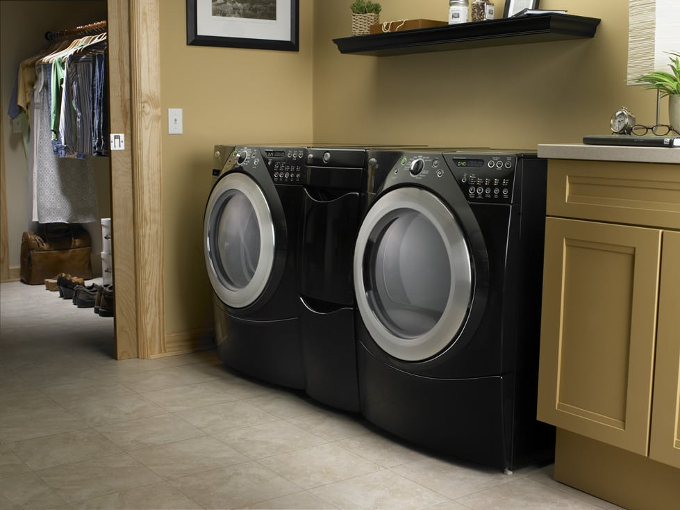 Whirlpool Wed9400sb 27 Inch Electric Dryer With 7 0 Cu  Ft  Capacity  10 Cycles  5 Temperature