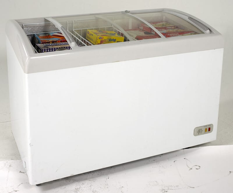 Avanti Cfc86f0wg 8 6 Cu Ft Commercial Chest Freezer With