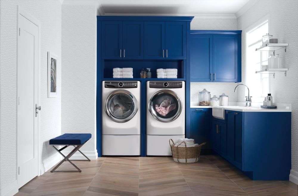 Electrolux Elwadrgw5272 Side By Side On Storage Drawer Pedestal Washer Amp Dryer Set