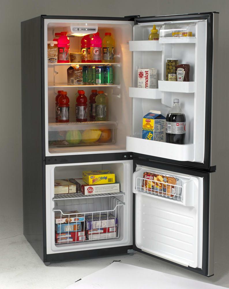 Glass Refrigerator Avanti Ffbm102d3s 102 Cu Ft Bottom Freezer Refrigerator With 2