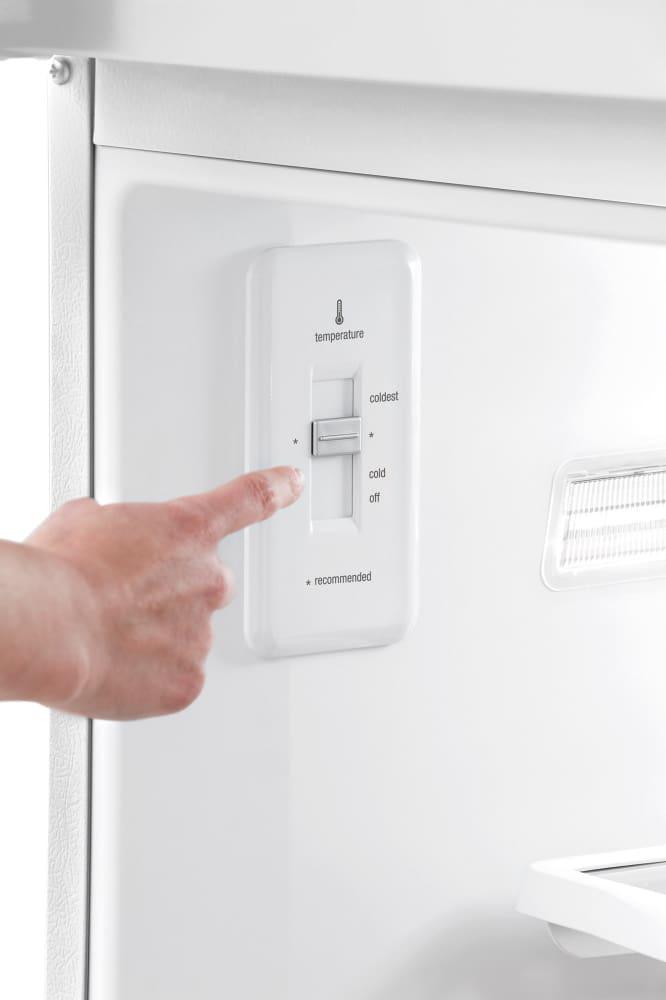 Frigidaire Fght1846qe 30 Inch Top Freezer Refrigerator