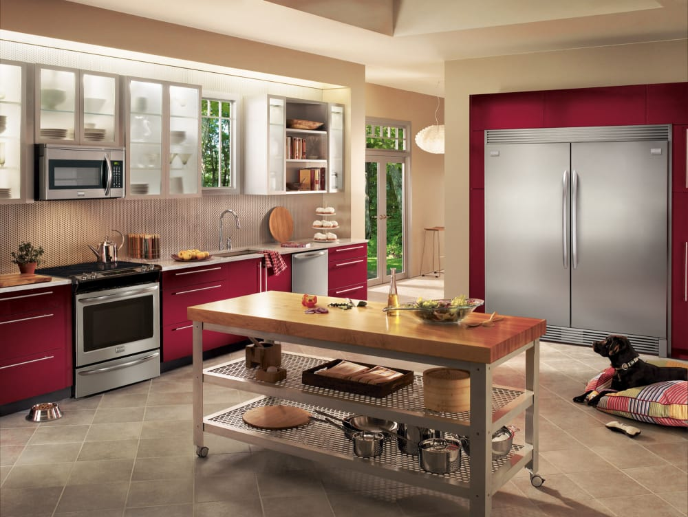 frigidaire gallery series frrefr1 lifestyle view