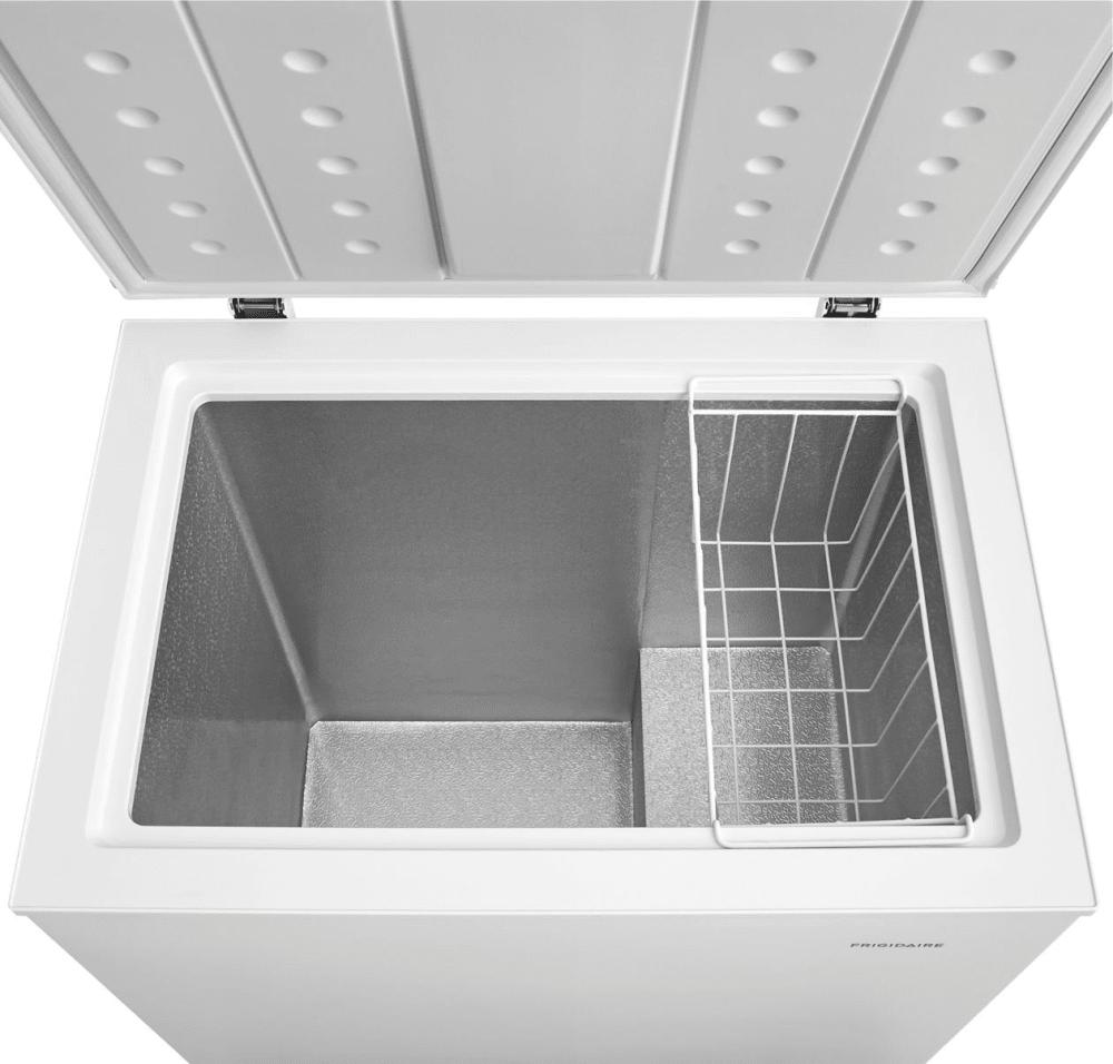 Frigidaire Fffc05m1tw 29 Inch Freestanding Chest Freezer