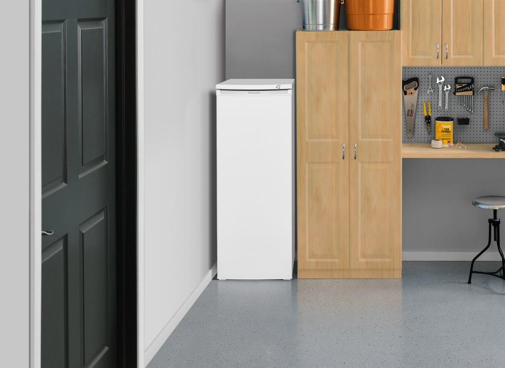 Frigidaire Fffu06m1tw 22 Inch Freestanding Upright Freezer