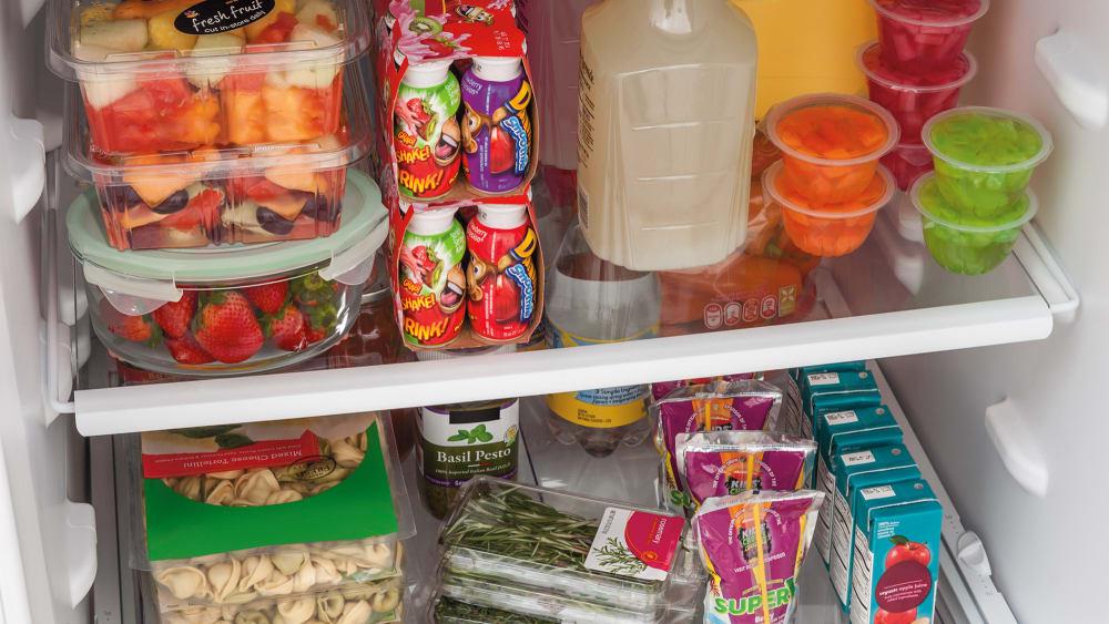 Frigidaire Ftmd18p4tw 30 Inch Top Freezer Refrigerator