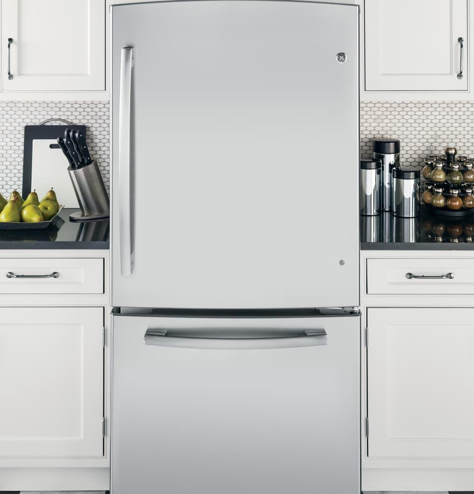 Ge Gde23gshss 33 Inch Bottom Freezer Refrigerator With 23