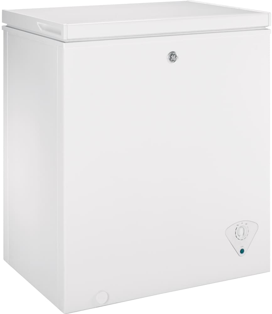 Ge Upright Freezer Manual Ge Fcm5skww 50 Cu Ft Manual Defrost Chest Freezer With 1 Lift