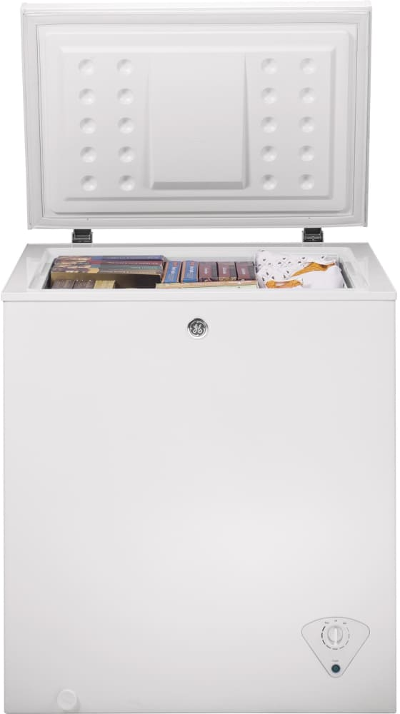 GE FCM5SKWW 5.0 cu. ft. Manual Defrost Chest Freezer with 1 Lift ...