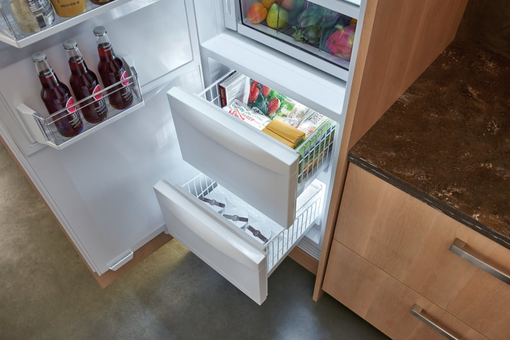 Sub Zero Ic24cilh 24 Inch Integrated Column Refrigerator