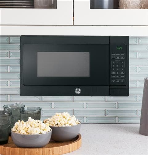 GE JEM3072DHBB 0.7 cu. ft. Countertop Microwave Oven with 700 ...