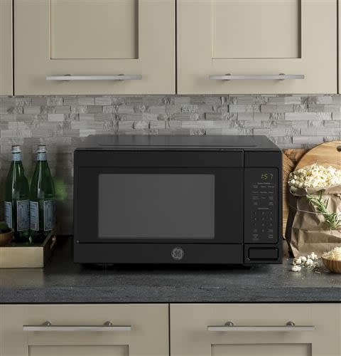 Ge Jes1657dmbb 1 6 Cu Ft Countertop Microwave Oven With