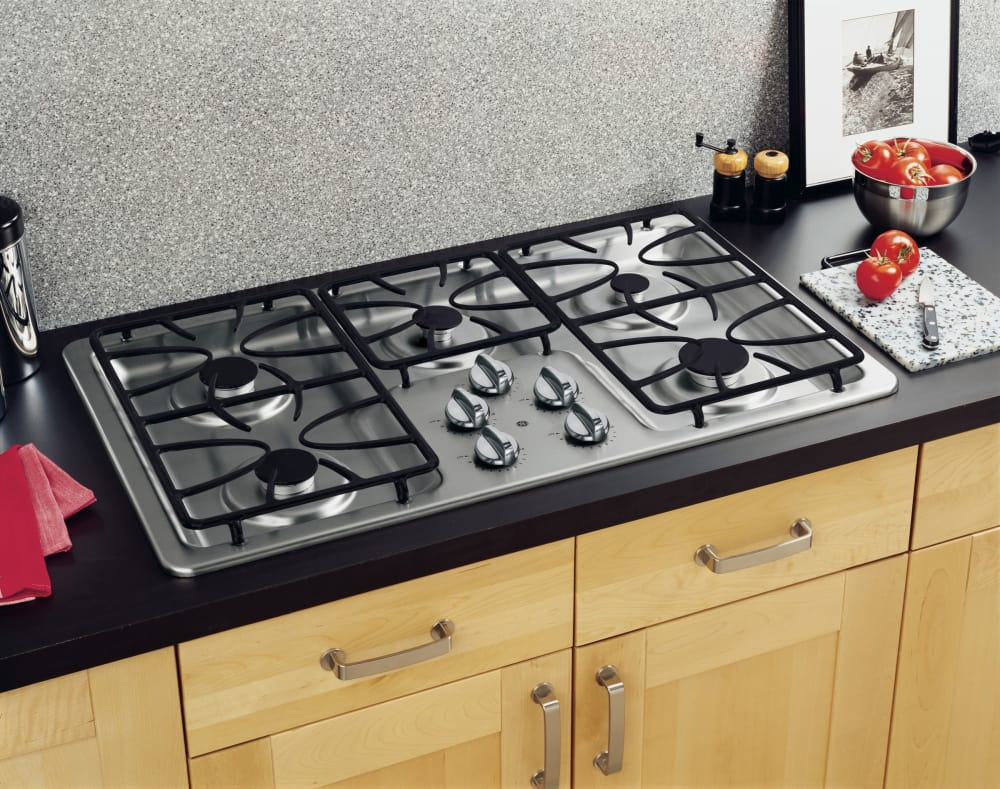 Gas Stainless Steel Cooktop Ge Jgp633setss 36 Inch Gas Cooktop With 5 Sealed Burners 11000