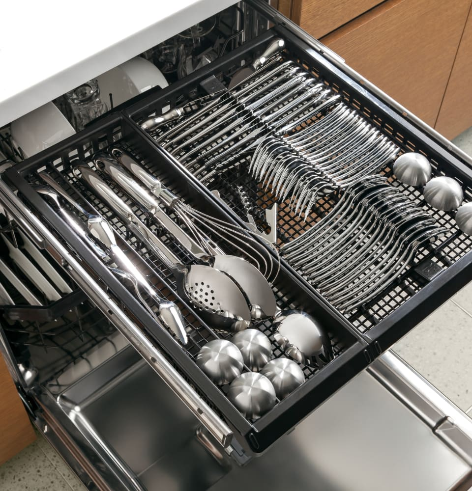 ge pdt760ssjss fully integrated dishwasher with 16 place settings