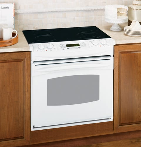 Electric Range With Ceramic Gl
