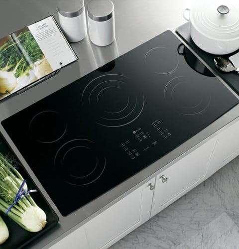 GE PP975BMBB 36 Inch Smoothtop Electric Cooktop With 5
