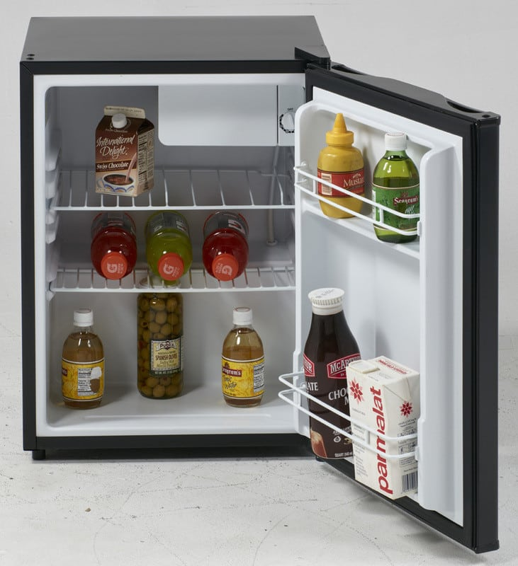 avanti rm24t1b 19 inch compact refrigerator with 2.4 cu. ft