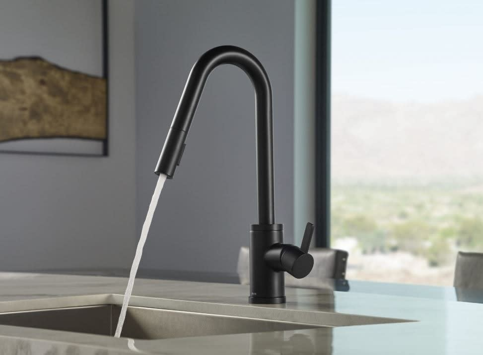 Danze D457230bs Single Handle Deck Mounted Pull Down Satin Black Kitchen Faucet With Snapback Retraction Griplock Weight Ceramic Disc Valve 360 Swivel Spout Integral Check Valve And Two Function Spray Head