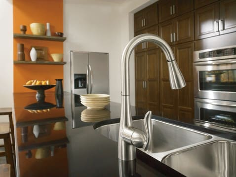 Moen 7594 Single Lever Pull Out Kitchen Faucet With 7 7 8