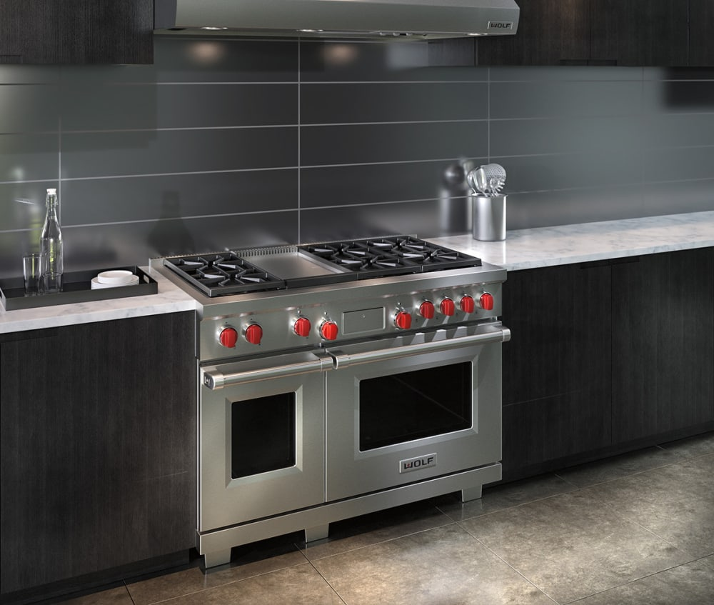 Wolf DF486G 48 Inch Pro-Style Dual-Fuel Range with 4.5 cu. ft ...