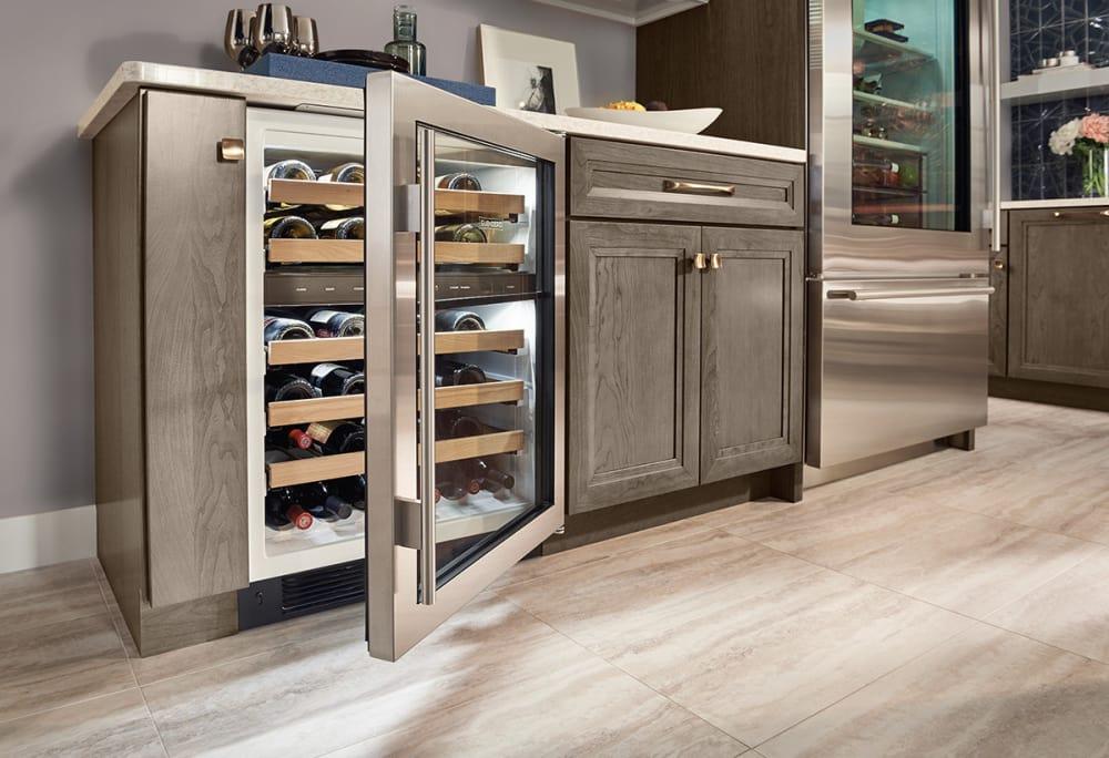 sub zero uw24 24 inch undercounter wine cooler with 46. Black Bedroom Furniture Sets. Home Design Ideas