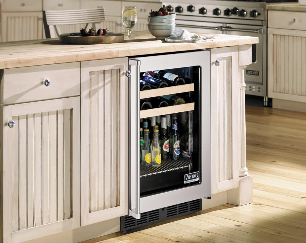 Viking VBCI5240GRSS 24 Inch Undercounter Beverage Center with 5.3 ...