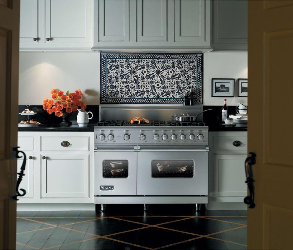 Professional Kitchen: Viking VGSC5486QSS 48 Inch Pro-Style Gas Range With 6 VSH