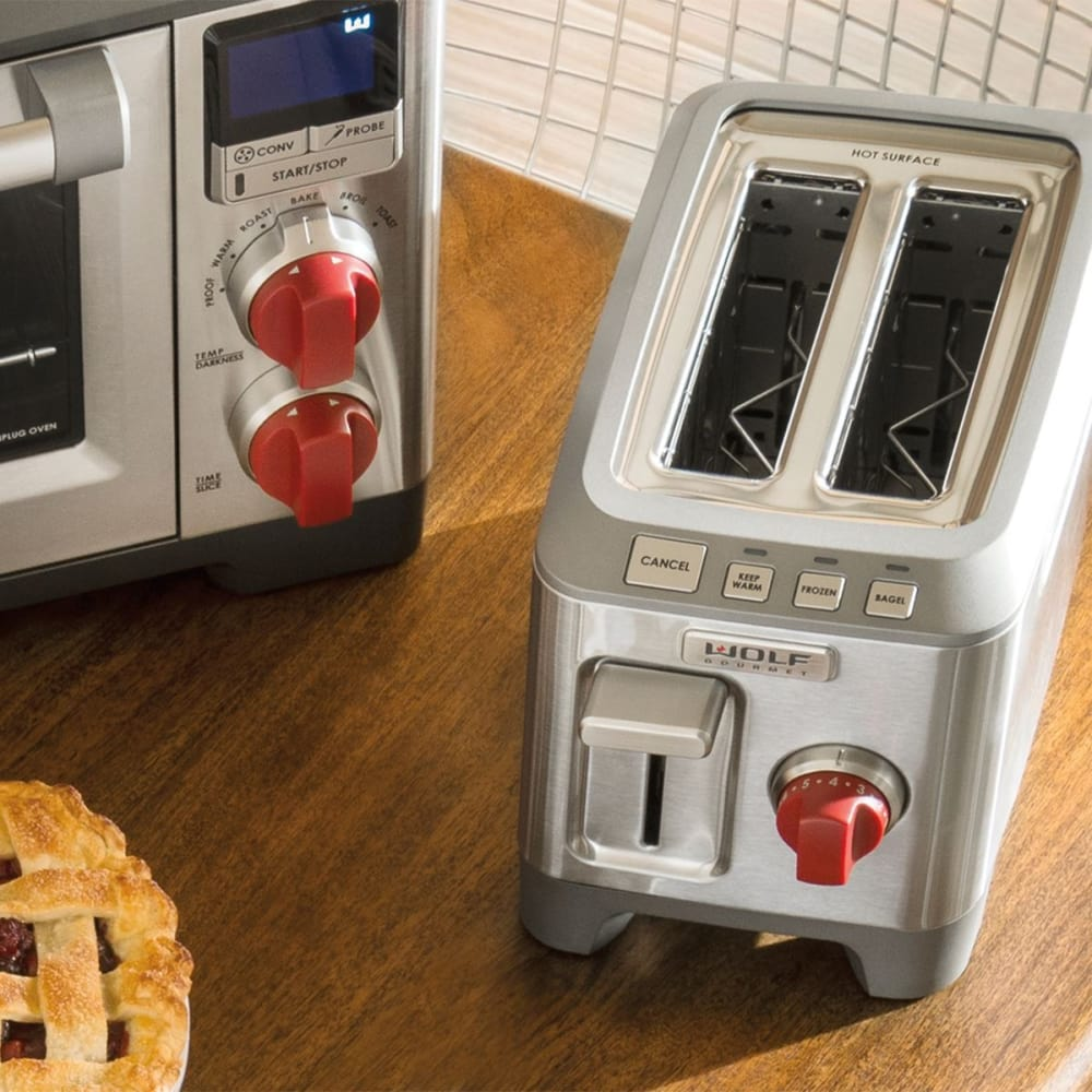 Wolf wgtr102s countertop toaster with 2 slice capacity for Wolf toaster oven
