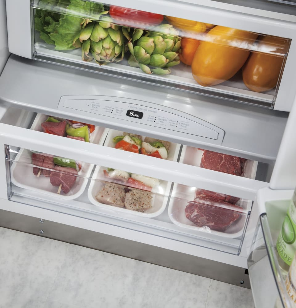 ... Monogram ZISS420DKSS   The Climate Control Drawer Allows You To  Express Chill Beverages, ...