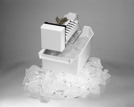 Whirlpool 24ECKMF - Ice Maker Kit