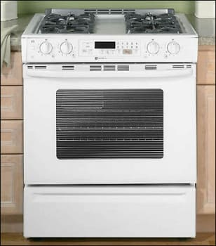 Maytag MGS5770ADW - Front View