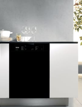 Miele Futura Classic Plus Series G4205BL - Black
