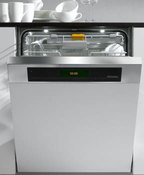 Miele Futura Diamond Series G5915SCISS - Shown with CleanTouch Steel Panel