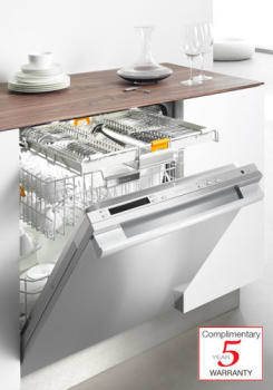 Miele Futura Diamond Series G5975SCSFSS - CleanTouch Steel