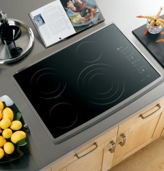 GE Profile CleanDesign PP945SMSS - Black Surface with Stainless Steel Trim