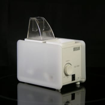 Sunpentown SU1051W - White Compact Personal Humidifier