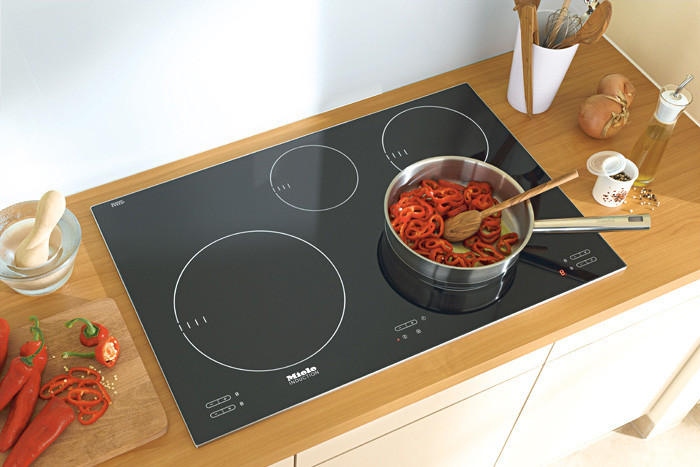 miele km5753 30 inch induction cooktop with 4 cooking zones booster function 9 power levels. Black Bedroom Furniture Sets. Home Design Ideas