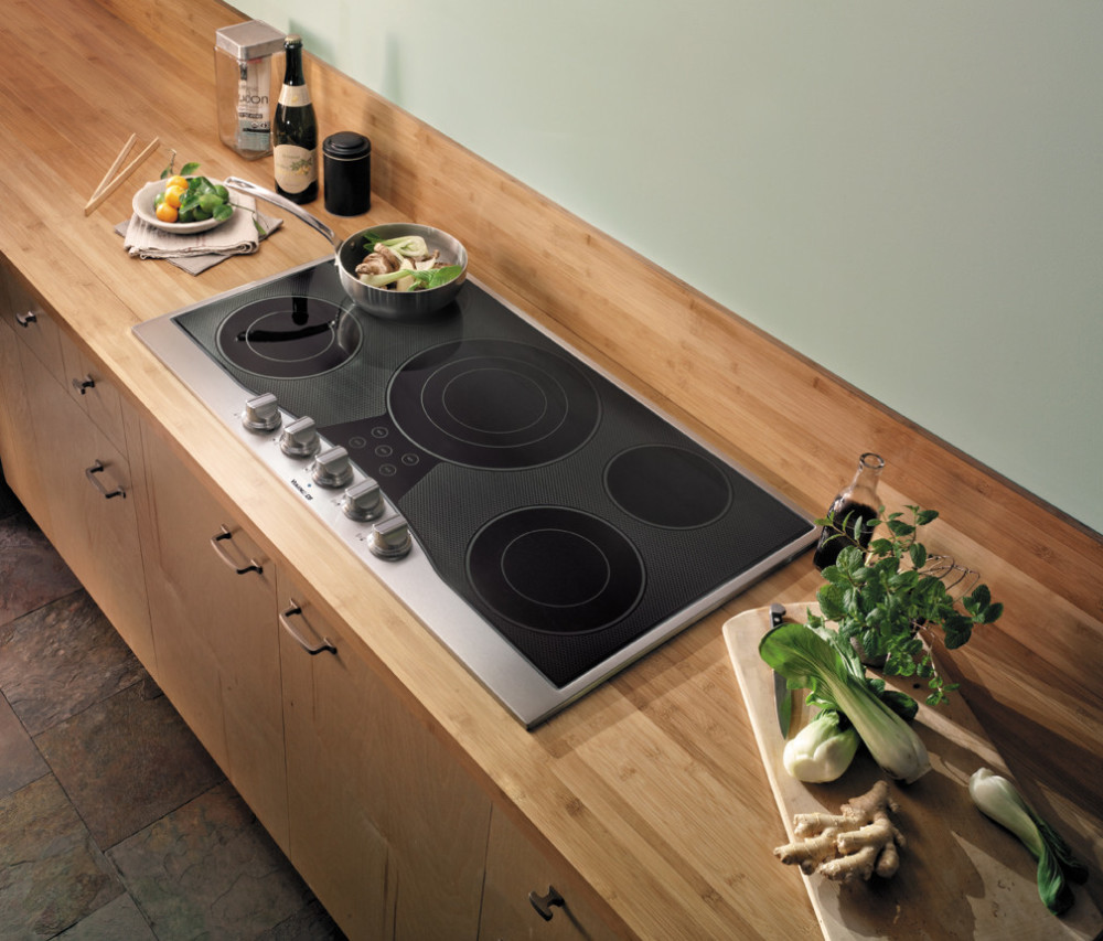 Viking RDECU2665BSB 36 Inch Electric Cooktop With 5