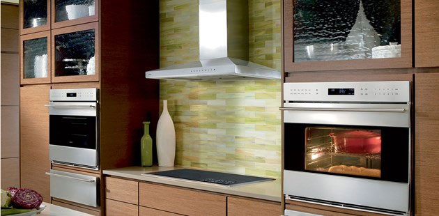 Wolf Vw30s 30 Inch Wall Mount Chimney Range Hood With