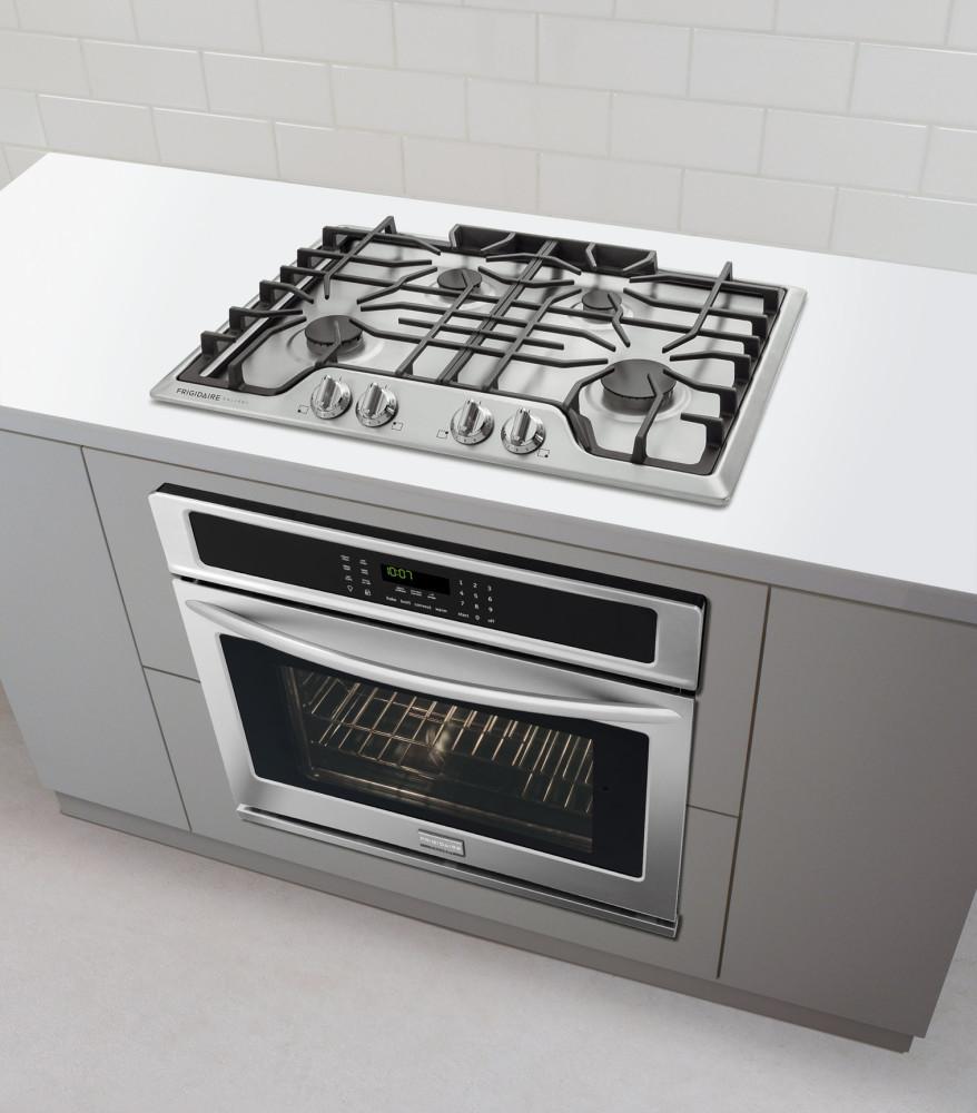 frigidaire fggc3045qs 30 inch gas cooktop with 4 sealed burners continuous dishwasher safe cast. Black Bedroom Furniture Sets. Home Design Ideas