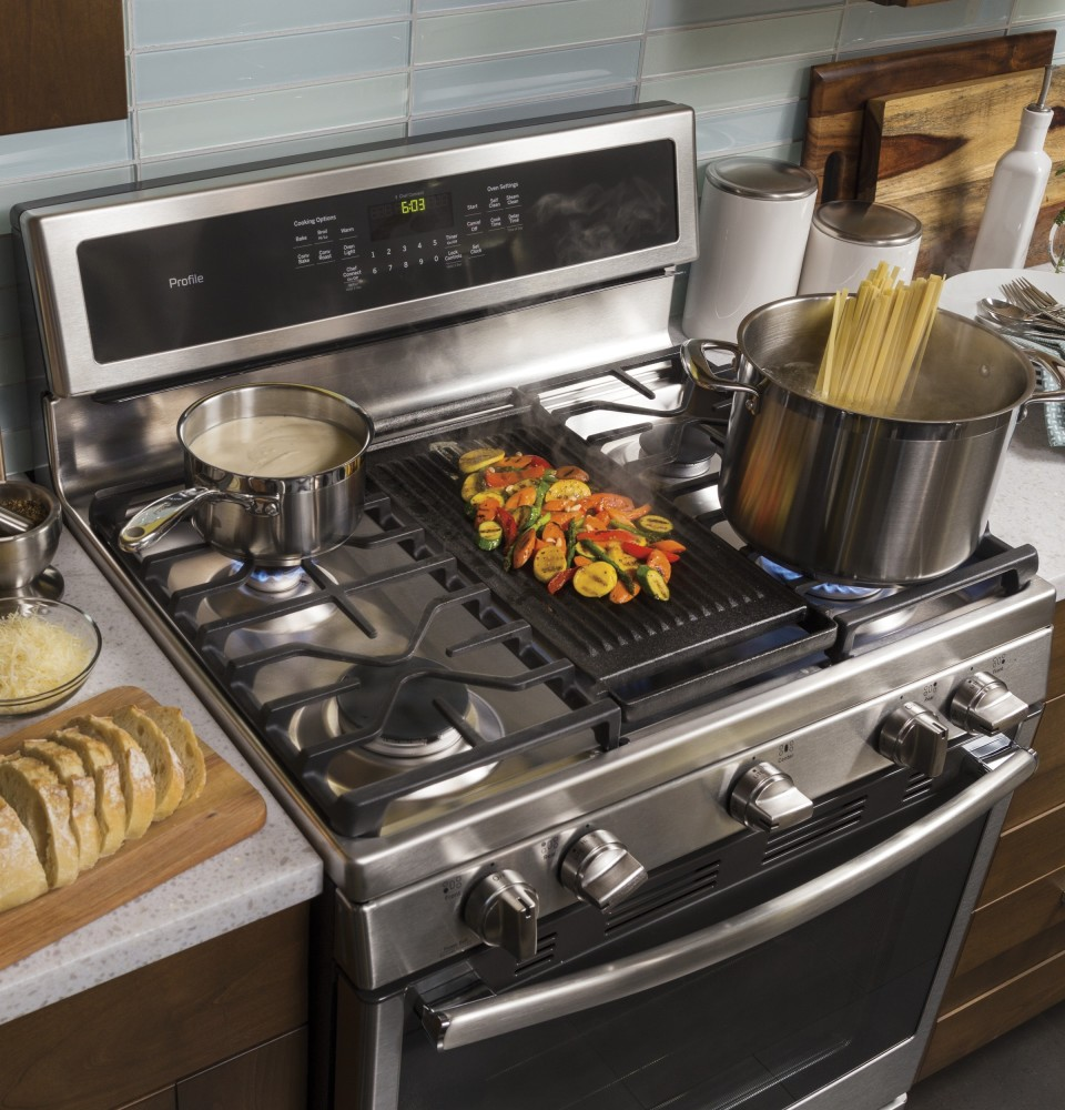 Ge Pgb911zejss 30 Inch Freestanding Gas Range With 5 6 Cu