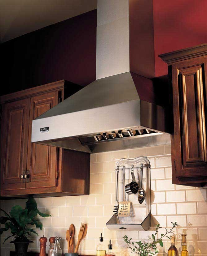 Viking Vcwh4848wh 48 Inch Wall Mount Chimney Range Hood With Optional Blowers Halogen Lights
