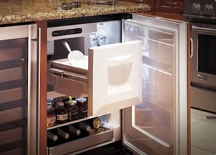 A Compact Refrigerator With Freezer And Ice Maker Is Your Best Bet When  Space Is Limited. This Type Of Refrigerator Is Best For A Dorm Room, Small  Office, ...